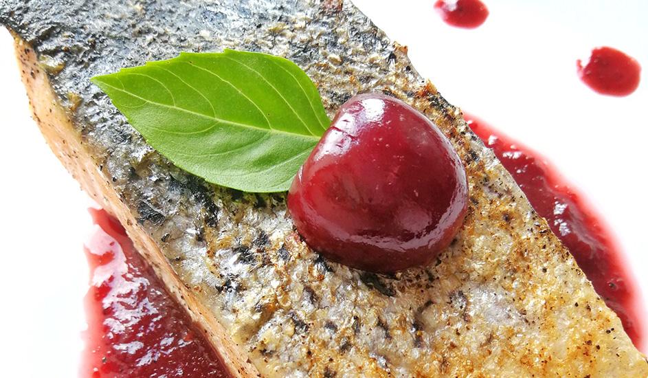Salmón de Verano con Salsa de Cereza